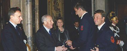 Trani Andrea nel 2004 riceve l'onorificenza da Presidente Ciampi